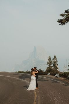 A perfect view of the Half Dome mountain in Yosemite at this adventurous elopement | Image by Wesley Harden Boho Diy, Elopement Inspiration, Wedding Blog, Mountain Weddings, Adventure, Half Dome, Bae, Future, Future Tense