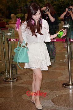 Official Korean Fashion Blog: SNSD Tiffany Airport Fashion