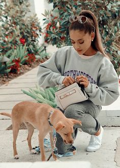 Find images and videos about ariana grande on We Heart It - the app to get lost in what you love. Ariana Grande Fotos, Ariana Grande Cute, Ariana Grande Photoshoot, Ariana Grande Pictures, Ariana Grande Outfits Casual, Ariana Grande Wallpaper, Youtuber, Cat Valentine, Doja Cat