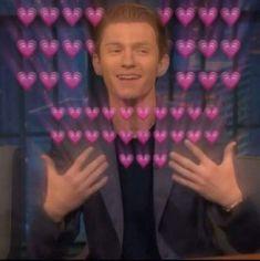 Memes Heart Tom Holland 20 New Ideas Memes Marvel, Avengers Memes, Tom Holland, Sapo Meme, Baby Toms, Heart Meme, Cute Memes, Funny Memes, Downey Junior