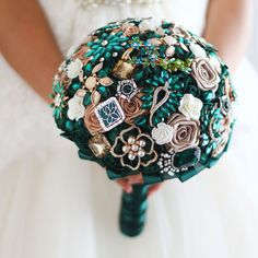 HandMade Emerald Bridal Wedding Brooch Bouquet bride's Emerald Gold Bouquets   eBay - would like this made with some of GGSue's broaches :)
