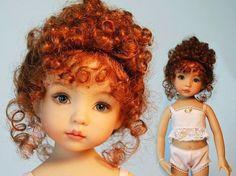 Еще ребенком, в пятилетнем возрасте Дианна получила на Рождество свою первую куклу. Играя с ней, переодевая и причесывая, укладывая спать на ночь, она потихоньку начинала впитывать в себя культуру кукольного мира. Но только с 1971 года Дианна начинает всерьез увлекаться изготовлением кукол, делая их для воспитанниц приюта, где она начала работать. Это хобби настолько поглотило и увлекло ее, что…