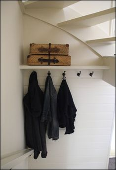 I found my home Open Trap, Stair Storage, Under Stairs, Love Home, Mudroom, Space Saving, Home And Living, Home Projects, Diy Furniture