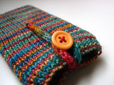 Ipod Cozy by elinknits, via Flickr