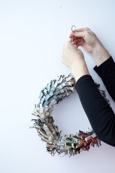 """Recycled Wreaths (1): Newspaper"" ⎮ recyclie.blogspot.fi"