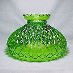 Diamond Beaded Quilt Green Glass 10 in Oil Lamp Shade Quilted Student  (Image1)