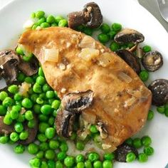 Slow Cooker Mushroom Chicken and Peas - Delicious! This recipe shows that slow cookers are not just for winter!
