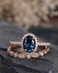 London Blue Topaz Wedding Ring Set Rose Gold Engagement Ring Bridal Sets Wedding Band Women Art Deco Antique Oval Cut Diamond Birthstone #weddingrings #diamondweddingbands