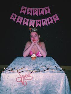 Picnic Birthday, Cowgirl Birthday, Bday Girl, Birthday Diy, 16th Birthday, Birthday Photos, Photoshoot Themes, Photoshoot Inspiration, Birthday Goals