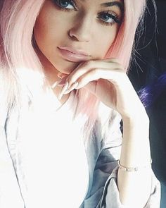kylie jenner, pink, and hair Bild Kendall Y Kylie Jenner, Estilo Kylie Jenner, Kyle Jenner, Kylie Jenner Style, Tyga, Kim Kardashian, Jenner Makeup, Jenner Hair, Idol