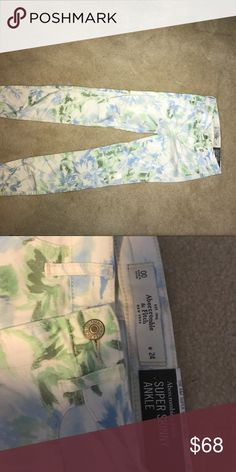 Size 00 Abercrombie & Fitch floral jeans Blue and green floral pattern.. softer jean material Abercrombie & Fitch Pants Skinny