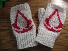 Ravelry: Assassin's Creed Fingerless Gloves pattern by Ducky Dame