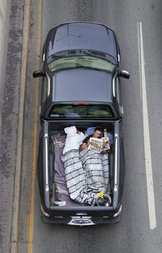 Car Poolers by Alejandro Cartagena // houses dont need walls