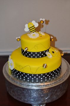 Bee Cake for Brandy