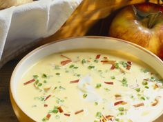Pastinaken-Apfel-Suppe - smarter - Zeit: 30 Min.   eatsmarter.de