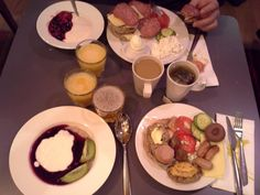 Best way to start your day - Let's eat breakfast.  Aamu alkaa ravitsevalla aamiaisella ja hymyllä.   Kaamoksen karkottaja - Break Sokos Hotel Levi - Pää Pilvissä