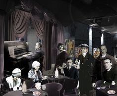 Zurich, 1916, Cabaret Voltaire. En la imagen: Al piano, comerciante de Berna, debajo dos mujeres desconocidas, Emmy Hennings, Tristan Tzara, Klabund, J.C. Heer y Hugo Ball, al fondo gente desconocida.