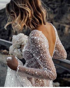 Unique and magical wedding dress. So how do you find that one and only wedding dress? Wedding Dress Organza, Wedding Dress Train, Luxury Wedding Dress, Sexy Wedding Dresses, Bridal Gowns, Wedding Gowns, Wedding Bride, Vogue Wedding, Wedding Lingerie