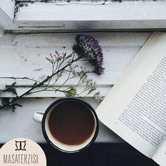 Bu #tatil gününde kendinize #vakit ayırın, #lezzetli bir #kahve eşliğinde #keyifli bir kitaba ne dersiniz?  #pazar #kitap #rahat #huzur #smile #günaydın #goodmorning #coffee #instagood #photooftheday