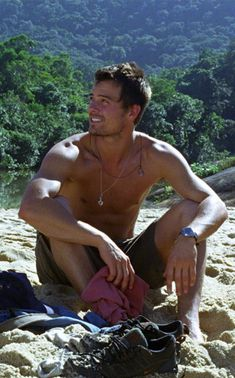 Josh Duhamel, pinner says- I met him before he was super famous, and he was sincerely nice-OOOOOohhh :D