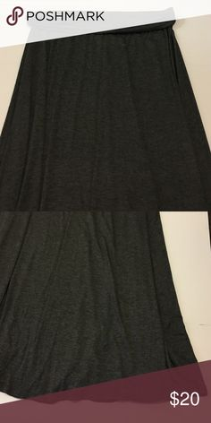 Grey Maxi Skirt Stunning grey maxi skirt in excellent condition. No damage. Super chic and stylish! Perfect for summer! Brand new with tags. Brand: Hug Hug Skirts Maxi