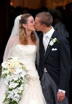 Prince Louis and Tessy Antony kissed after their wedding ceremony outside the Gilsdorf Church on September 29, 2006.