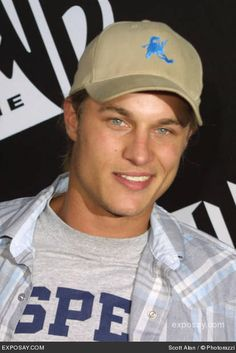 travis fimmel plays the hot cowboy in pure country 2-the gift