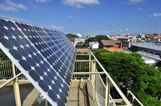 Investimento em energia solar garante economia na conta de luz Previsão é de retorno no valor gasto com as placas solares em sete anos