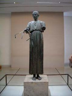 ***Auriga de Delfos (h.470-460 a.C.), Museo de Delfos. _Imágenes exentas: inicios de la escultura clásica.