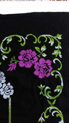 This Pin was discovered by HUZ Cross Stitch Rose, Cross Stitch Flowers, Cross Stitch Designs, Cross Stitch Patterns, Teapot Cover, Yarn Shop, Bargello, Easy Crochet Patterns, Vintage Patterns