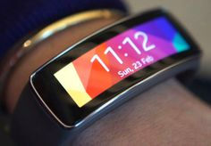 Samsung Gear fit! I like!! I want to know more.