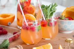 Bubbly Friday: Summer Sangria | The Daily Dose