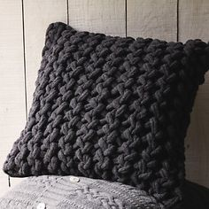 Laura Thomas Interior Design Blog: Chunky Knit Blankets and Cushions