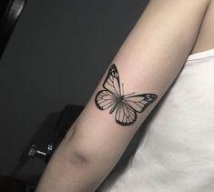 wonderful butterfly tattoo ideas for pretty tattoo lovers 36 ~ my. - wonderful butterfly tattoo ideas for pretty tattoo lovers 36 ~ my. Monarch Butterfly Tattoo, Butterfly Tattoo On Shoulder, Butterfly Tattoos For Women, Butterfly Tattoo Designs, Butterfly Makeup, Mini Tattoos, Dream Tattoos, Body Art Tattoos, Small Tattoos