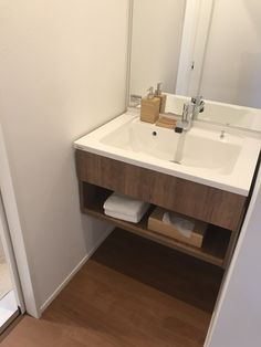 Sink, Home Decor, Vessel Sink, Sink Tops, Interior Design, Home Interiors, Decoration Home, Sinks, Vanity