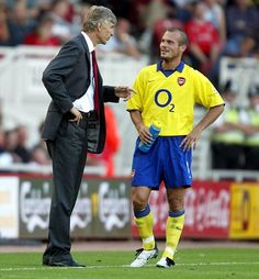 Former Arsenal midfielder Freddie Ljungberg has leaped to the defence of Arsene Wenger and blamed the club's barren trophy run on the departure of ex-vice-chairman David Dein. Arsenal Players, Arsenal Fc, World Football, Football Team, Arsenal Football, Arsene Wenger, Star Wars, North London, Arsenal F.c.
