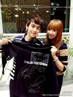 Nichkhun Victoria, Best Friend Goals, Best Friends, Victoria Fx, Lee Min Ho News, Song Qian, We Get Married, Asian Love, Beautiful Voice