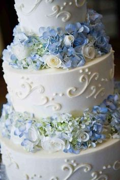 31 Classic Blue Wedding Cakes To Blow Your Mind Away Textured Wedding Cakes, Wedding Cakes With Flowers, Cool Wedding Cakes, Beautiful Wedding Cakes, Wedding Cake Designs, Flower Cakes, Wedding Rings, Wedding Event Planner, Wedding Events