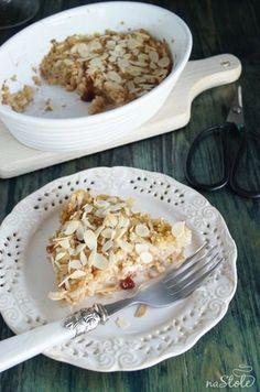 Kasza jaglana zapiekana z jabłkami to pyszna i zdrowa propozycja na drugie śniadanie, deser czy kolację. Polecam! Przygotowanie: 3 łyżki kaszy jaglanej u Breakfast Recipes, Snack Recipes, Cooking Recipes, Healthy Sweets, Healthy Cooking, Healthy Food, Good Food, Yummy Food, Vegetarian Snacks