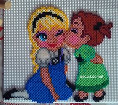 Elsa and Anna - Frozen  hama beads by DECO.KDO.NAT - Pattern: https://de.pinterest.com/pin/374291419006324436/