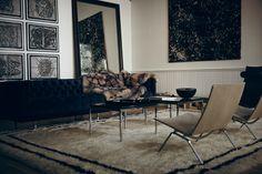 El apartamento de The Line, en el SoHo neoyorquino, es el lugar perfecto para comprar objetos que nos seducen en el contexto íntimo de un hogar. Es un apartamento-galería, un nuevo concepto de compras-decoración al que ya se han rendido ciudades como Beirut, París, o la propia Nueva York: pasa, mira, y, si algo te gusta, puede ser tuyo.