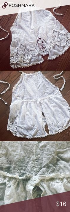 TOBI lace crochet halter top NWOT white halter top. Cotton material Tobi Tops Crop Tops