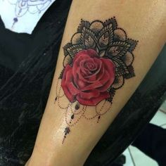 Rose and Lotus Flower Tattoo - The Best Flower Tattoos - Cute & Beautiful Flower Tattoo Designs, Girly Tattoos, Up Tattoos, Forearm Tattoos, Body Art Tattoos, Tattoos For Women, Cool Tattoos, Rose Tattoo On Forearm, Rose Tattoo With Name, Maori Tattoos