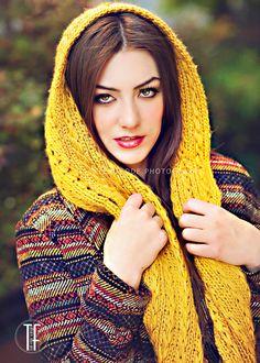 Senior Picture Ideas for Girls | Senior Poses Girl | Senior Pictures Girl | Follow my SENIOR GIRLS Board at www.pinterest.com/lrtemplates