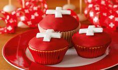 1. August-Cupcakes Rezept | Dr. Oetker Swiss National Day, Swiss Days, Swiss Recipes, Muffins, Restaurant, Fondant, Sweet, Desserts, 1 August