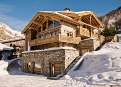 Ski in and out via the Santons blue piste. The chalet is a 2 minute ski to the Solaise and Olympic lift stations. The resort centre is a 2 minute drive or 8 minute walk.   http://www.ultimateluxurychalets.com/luxury-chalet-la-tene-val-disere