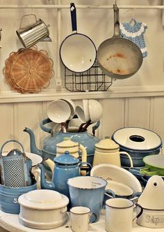 Enamel ware is love! can't wait to have these in my future home ;)
