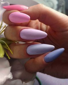 Hot Almond Nails Art Ideas For Summer - Nail Art Connect Not everyone likes dramatic nails. If you like your nails to be slender and beautiful, the best choice is almond Aycrlic Nails, Cute Nails, Pretty Nails, Coffin Nails, Acrylic Nails Natural, Best Acrylic Nails, Almond Nail Art, Almond Nails, Pastel Nails