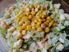 I z celeru můžete připravit velmi chutný salát, který dokonale nahradí oblíbený bramborový nebo vajíčkový. Pomáhá při hubnutí, při chorobách a dokonce celer mnozí označují také jako afrodisiakum :) určitě vyzkoušejte. Autor: Triniti Food And Drink, Health Fitness, Low Carb, Menu, Baking, Vegetables, Drinks, Recipes, Mayonnaise