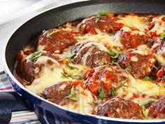 Рецепта за Кюфтета на тиган с доматен сос и кашкавал - начин на приготвяне, калории, хранителни факти, подобни рецепти